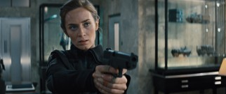 Decorated Sergeant Rita Vrataski (Emily Blunt) recognizes Cage's gift from her own personal experiences.
