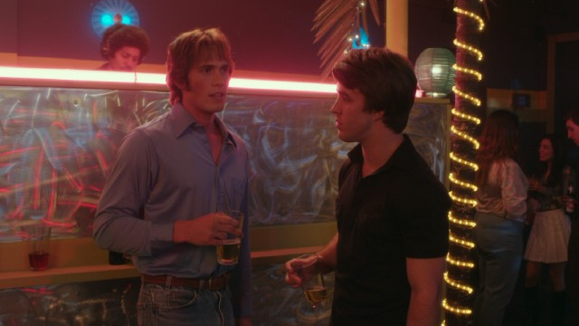 "In ""Everybody Wants Some!!"", college freshman Jake Bradford (Blake Jenner) tries to attract the opposite sex with help from his new housemates/teammates."