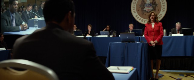 At a National Transportation Safety Board hearing moderated by Ellen Block (Melissa Leo), pilot Whip Whitaker (Denzel Washington) is questioned on the circumstances of his unusual flight.