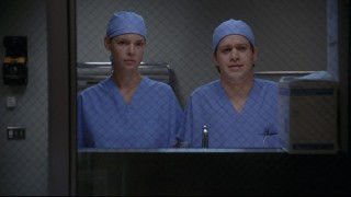Izzie and George become Meredith's housemates early on.