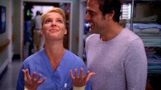 Izzie Stevens (Katherine Heigl) is visited by her dead fianc� Denny Duquette (Jeffrey Dean Morgan) in ten scattered Season 5 episodes.