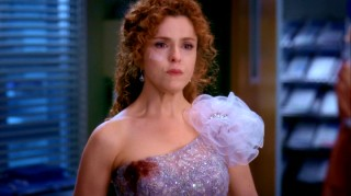 "Bernadette Peters plays Sarabeth Breyers, one of three women needing medical attention in Season 5 premiere ""Dream a Little Dream of Me."""