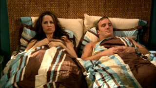 "The first season of ""Gary Unmarried"" ends on something of a cliffhanger as Allison and Gary have mixed feelings about getting back in bed together three times."
