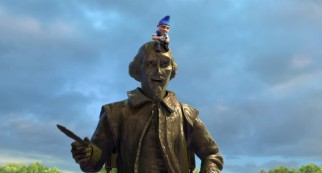 Bill Shakespeare himself shows up in bronze statue form, but is of little comfort to an exiled Gnomeo.