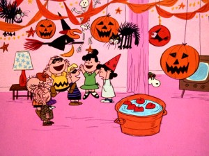 Violet's house is the place to be for a fun Halloween party!