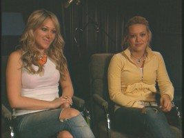 Haylie and Hilary Duff talk briefly on voicing penguins in the DVD's lone bonus feature.