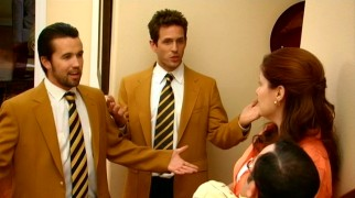 "Dennis (Glenn Howerton) and Mac (Rob McElhenney) do a little ""good realtor, bad realtor"", posing as the house-selling team of Hugh Honey and Vic Vinegar in season opener ""The Gang Exploits the Mortgage Crisis."""