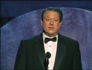 Former VP Al Gore accepts the Stanley Kramer Award at the 2007 Producers Guild Awards.