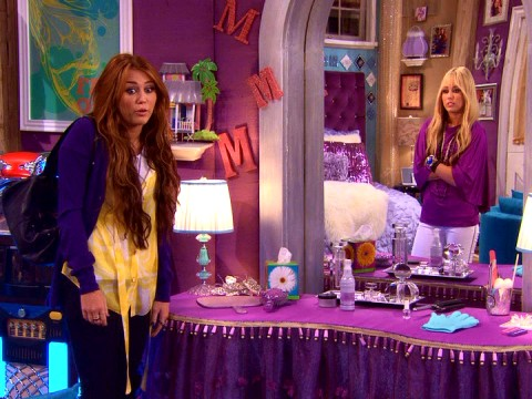In a schizophrenic mirror conversation, Miley Stewart (Miley Cyrus) and Hannah Montana (Miley Cyrus) wonder if they're not having the worst of both worlds.