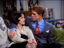 It's a reunion of the American Graffiti sweethearts as Richie (Ron Howard) dates Shirley (Cindy Williams).