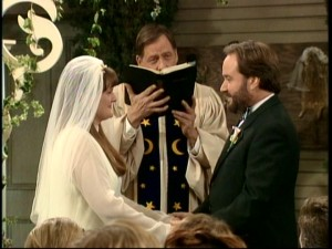 Al marries Trudy (Megan Cavanagh) in a ceremony held in the Taylors' backyard, officiated by a conveniently-obscured Wilson.
