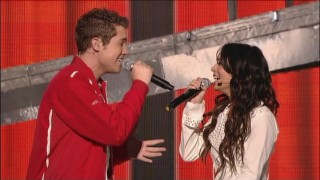 "Drew Seeley and Vanessa Hudgens duet on ""Start of Something New""."