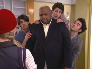 The boys utilize their bodyguard Big Robb when confronting Stella the day after her not-so-special birthday.