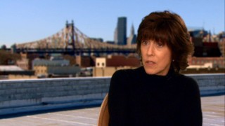 "Writer/director/foodie/blogger Nora Ephron discusses her film in the DVD's audio commentary and in front of a New York City backdrop visual for featurette ""Secret Ingredients."""