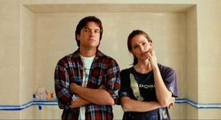 Mark (Jason Bateman) and Vanessa Loring (Jennifer Garner) compare two shades of yellow in the gender-neutral room they're putting together for Juno's forthcoming baby.