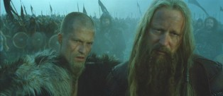 On the right, Stellan Skarsg�rd, who requires special effort to spell his name properly. On the left is his Saxon son, played by Til Schweiger.