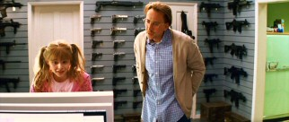 Former cop Damon Macready (Nicolas Cage) has made some questionable choices while raising his pigtailed preteen daughter Mindy (Chloë Grace Moretz) in an atmosphere of violence.