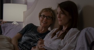 Multiple-time Academy Award-nominated actresses Annette Bening and Julianne Moore may have their best shot at Oscar gold as longtime lesbian partners Nic and Jules.