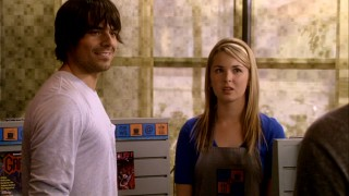 Latnok tough guy Nate (Jesse Hutch) is happy to be dating Kyle's ex-girlfriend, Rack waitress Amanda (Kirsten Prout). She seems less certain.