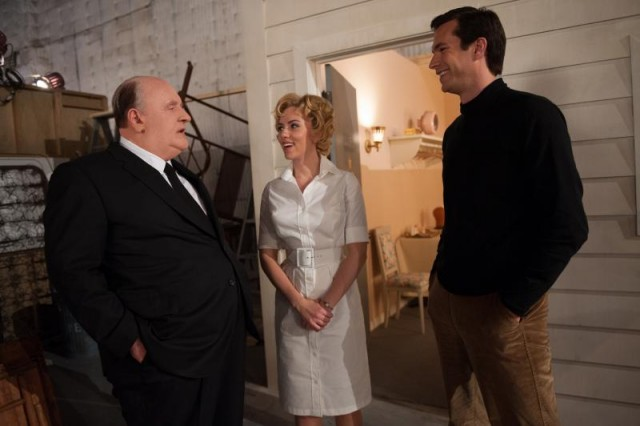 "Alfred Hitchcock (Anthony Hopkins) has a chat with his ""Psycho"" leads Janet Leigh (Scarlet Johansson) and Anthony Perkins (James D'Arcy)."