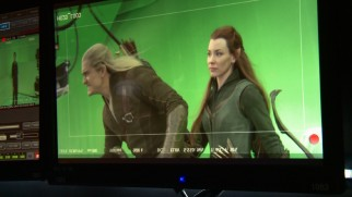 Hydraulics make it easy for Orlando Bloom and Evangeline Lilly to pretend to ride a horse together against green screen.