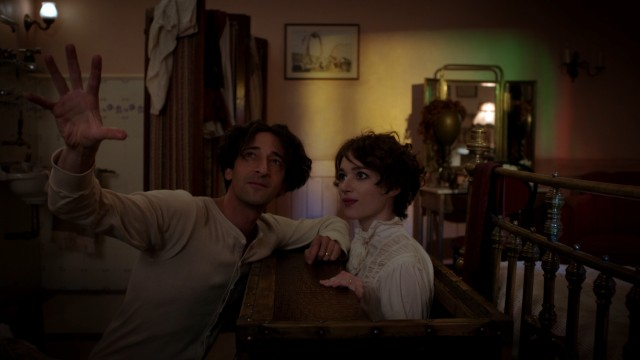 Harry Houdini (Adrien Brody) wins over the vaudeville dancer Bess (Kristen Connolly) with -- what else? -- magic.