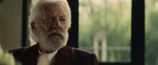 President Snow (Donald Sutherland) is concerned by the hope that Katniss gives the downtrodden masses.