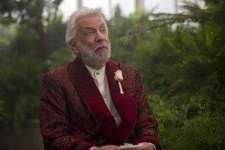 Scott Calvin? Topo Gigio? No, that's actually Donald Sutherland playing President Snow for the last time.