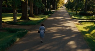 Aibileen walks home in the film-closing shot over which credits are laid.