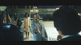 Eddie Murphy is all smiles in the Outtakes Reel