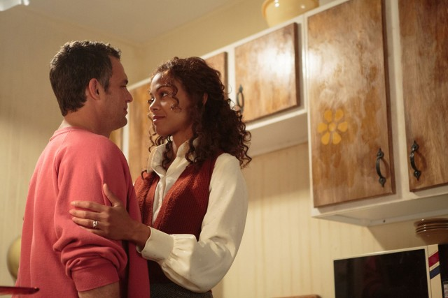 "Cam (Mark Ruffalo) and Maggie Stuart (Zoe Saldana) wrestle with poverty, underemployment, distance, and mental illness in ""Infinitely Polar Bear."""