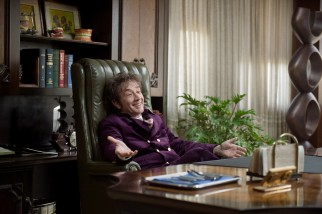 Martin Short reveals a new side of himself in the role of cocaine-sniffing dentist Rudy Blatnoyd.
