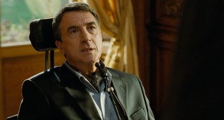Many have notice a resemblance between François Cluzet and a slightly younger Dustin Hoffman.