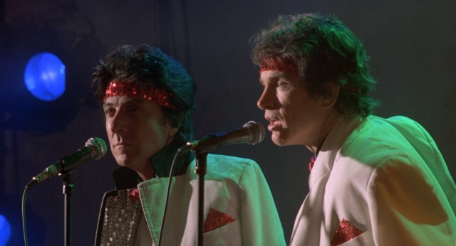 Move over, Simon & Garfunkel! Here come Rogers (Warren Beatty) & Clarke (Dustin Hoffman)!