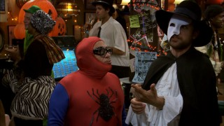 """Who Got Dee Pregnant?"" gives us five different versions of the same browned-out Halloween party that costumes Frank (Danny DeVito) as Spider-Man (or is that Man-Spider) and Charlie (Charlie Day) as the vampiric Phantom of the Opera."