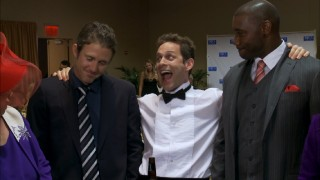 At an Atlantic City charity function, Dennis (Glenn Howerton) is happy to find himself between Chase Utley and Ryan Howard of the Philadelphia Phillies.