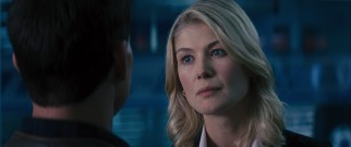 Any eligible bachelorette would be forgiven for wanting Jack Reacher/Tom Cruise, but defense attorney Helen Rodin (Rosamund Pike) manages to display some restraint.