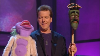 Peanut and José Jalapeño trade barbs conceived and uttered by Jeff Dunham.