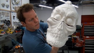 Jeff Dunham constructs the head of Achmed for The Achmedmobile of the special's cold opening.
