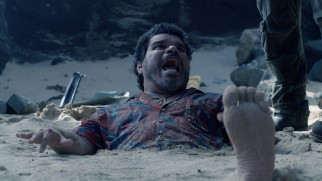 As opportunistic pilot Gabato, Luis Guzmán supplies the film with some of its best comic relief.