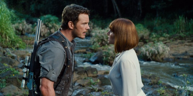 Owen (Chris Pratt) and Claire (Bryce Dallas Howard) are given a bit of a romantic comedy arc with their love-destined squabbles.