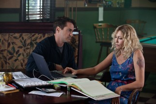 In Carlinville, Indiana, Hank (Robert Downey Jr.) reconnects with Samantha (Vera Farmiga), the high school sweetheart with whom he may have a daughter.