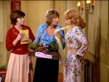 When courtesy does nothing for their sales, Laverne and Shirley simply try selling by force.