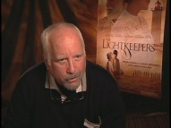 A goateed Richard Dreyfuss appears to be out of his gourd, discussing Ellis Island, Napoleon, and his unused tagline in this arresting bonus interview.