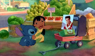 "Lilo uses her idol Elvis Presley as an example for her new ""dog"" Stitch to learn how to be a model citizen."