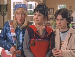 Lizzie, Miranda, and Gordo respond to a situation with surprise, mock happiness, and brow-furrowing, respectively.