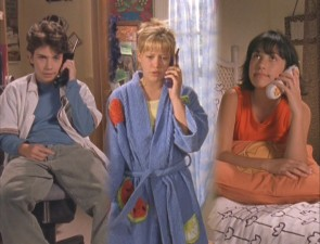 Gordo, Lizzie, and Miranda go to the three-way call, a tactic they often employ.