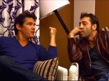 "Javier Bardem sucks pinky while Josh Brolin talks and a lamp appears ready to topple over in ""Lunch with David Poland."""