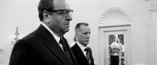 Paul Sorvino and James Woods look out of character as Nixon advisors Henry Kissinger and H.R. Haldeman, respectively. This is one of those grainy black & white shots that somehow makes sense for Stone.