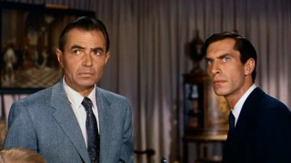 James Mason plays cool villain Phillip Vandamm, while a young Martin Landau is his associate Leonard.